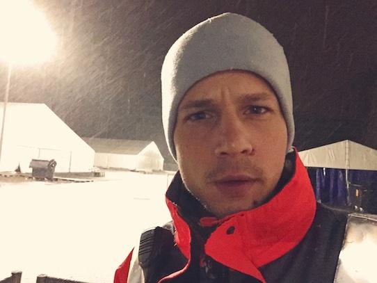 Kristijonas Duttke im winterlichen Flüchtlingscamp am Strehlener Platz. Foto: Krisitjonas Duttke