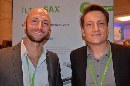 Andrè Winkelmann und Georg Bauerfeind von der Vier Vogel Pils GmbH in Dresden. Foto: Stephan Hönigschmid