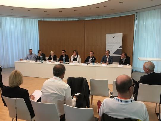 Blick in die Pressekonferenz der High Tech Venture Days 2017, in der Investoren und Gründer über ihre Erfahrungen berichteten. Foto: Stephan Hönigschmid
