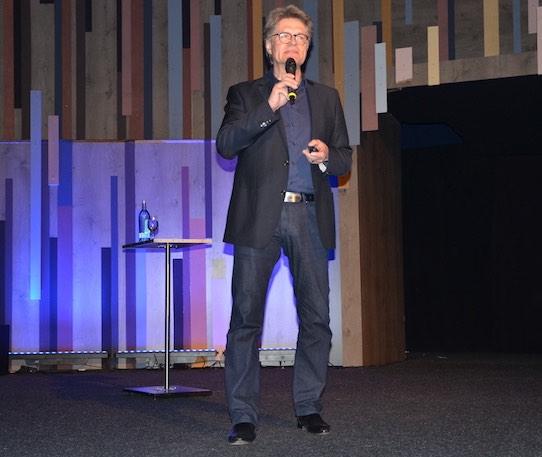 Peter Escher während seines Auftritts bei der Flip-the-Flop-Night. Foto: Stephan Hönigschmid