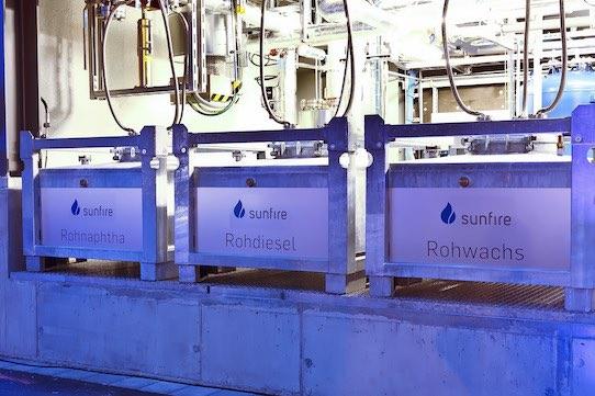 Das in der Anlage produzierte Liquid kann als Rohdiesel, Rohwachs oder Rohnaphtha genutzt werden. Bildquelle: sunfire GmbH, Dresden / renedeutscher.de