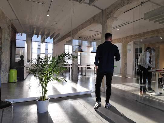 Nachdem die Firma bisher an der Uni angesiedelt war, hat sie jetzt Am Walkgraben 13 neue Räume bezogen. Vorher war an dieser Adresse das ebenfalls sehr bekannte Startup Staffbase anzutreffen. Foto: Naventik GmbH