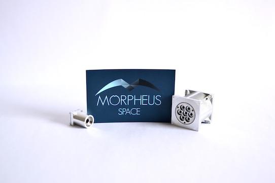 Die kleinen Triebwerke (li.) sind etwa so groß wie eine Fingerkuppe und die größeren so groß wie ein Eierbecher oder ein Schnapsglas. Foto: Morpheus Space GmbH