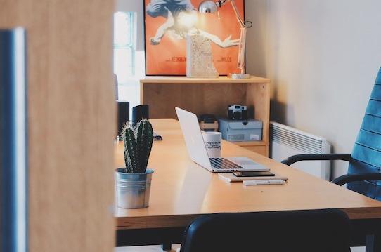 Die passenden Büromöbel zu finden, ist nicht leicht. Gut, dass es Profis gibt, die sich damit auskennen.&nbsp;<a href=