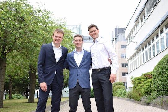 Dr. Jonas Schubert, Dr. Max Schnepf und Felix Klee (von links) sind die Gründer von Derma Purge. Foto:e-cine.de für Derma Purge