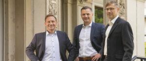 Matthias Bommer, Stefan Kempf und Prof. Roland Fassauer (v.l.n.r.) bilden den Vorstand von afinyo. Foto: PR/afinyo