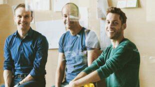 Die Staffbase-Gründer Frank Wolf, Lutz Gerlach und Marin Böhringer (von links) können sich über eine Rekordinvestition für ihre Firma freuen. Foto: Gene Glover für Staffbase