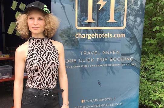 """Lilith Diringer (21) ist die Gründerin des Nachhaltigkeits-Startups """"Charge Hotels"""". Foto: Charge Hotels"""